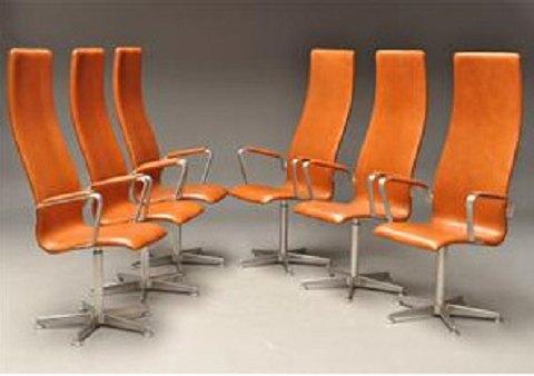 Arne Jacobsen, Oxford stole af brun læder med høj ryg (6