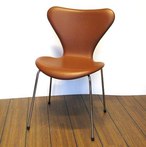 arne jacobsen stol 7 er Arne Jacobsen, 7'er stol 3807 betrukket med modebrunt læder | ebuy.dk arne jacobsen stol 7 er